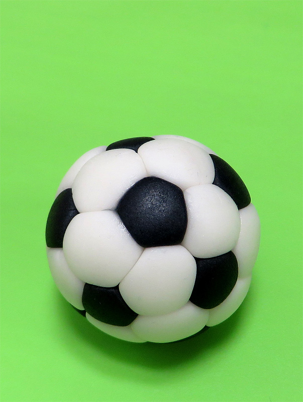 How To Make Soccer Ball Cake With Fondant