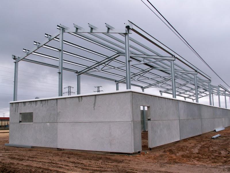 Las estructuras metalicas estructuras met licas naves for Tejados prefabricados