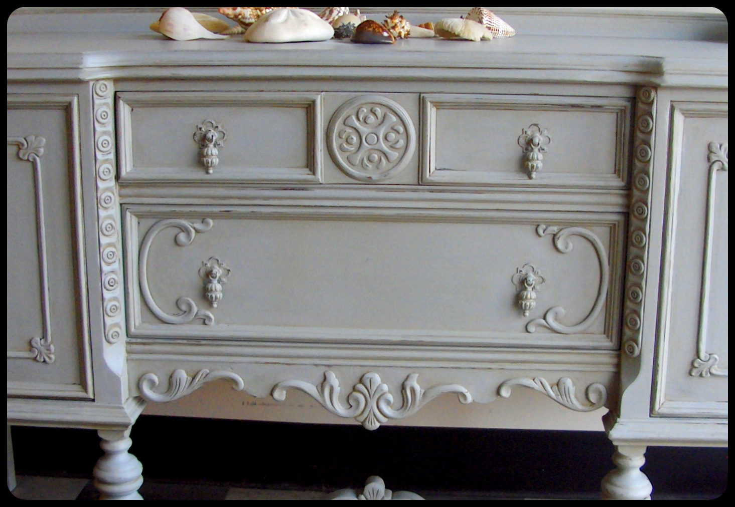 Furnitologist: Beautiful Distressed Buffet. Full resolution‎  photograph, nominally Width 1465 Height 1012 pixels, photograph with #796352.