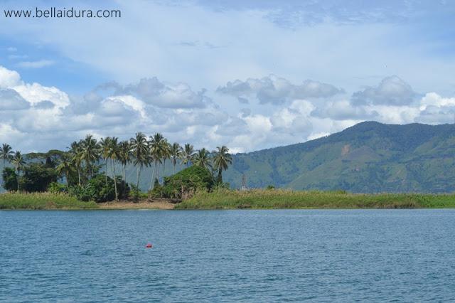 keindahan pulau samosir