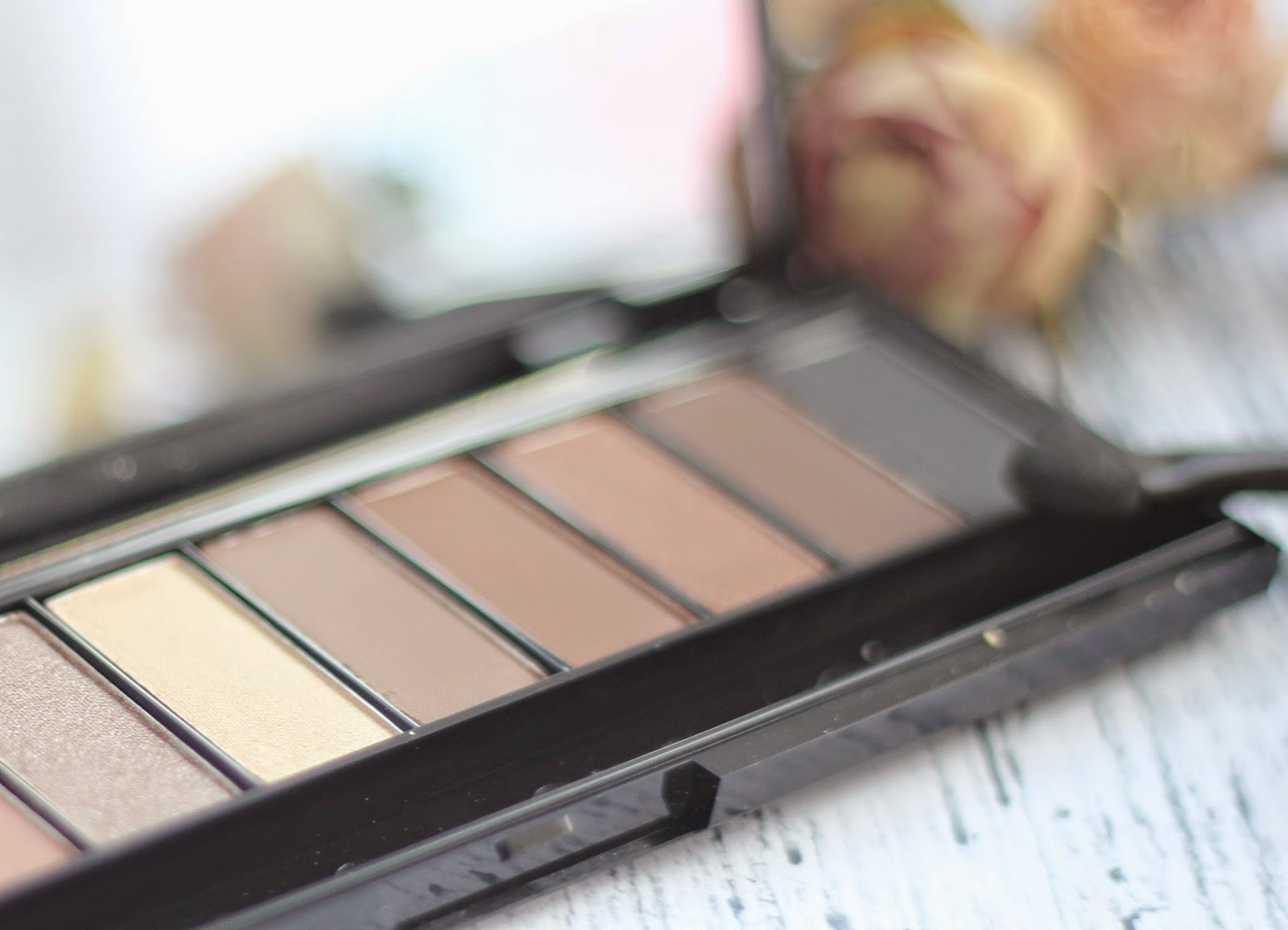 photo-la_palette_nude-paleta-sombras-loreal-paris