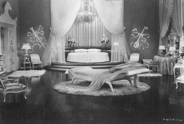 Glamamor november 2010 history of fashion in film for Famous interior designers in history