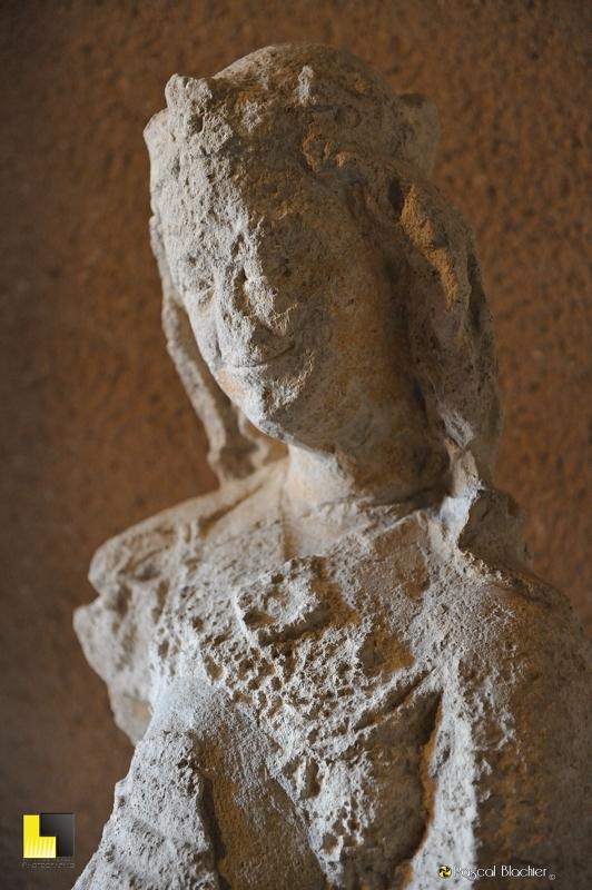 Statue de vierge château comtal Carcassonne photo pascal blachier