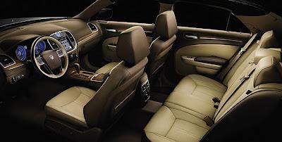 Lancia Thema 2011 interni