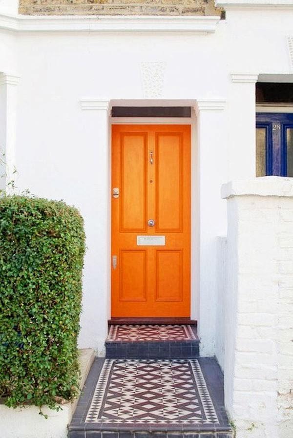 Puerta naranja