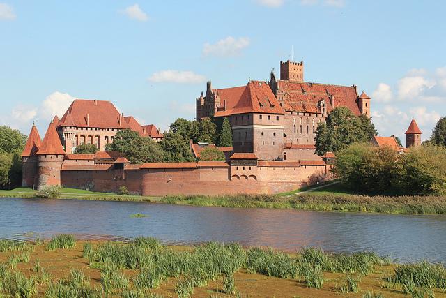Polonia da scoprire il castello medievale di malbork for Piani di casa castello medievale