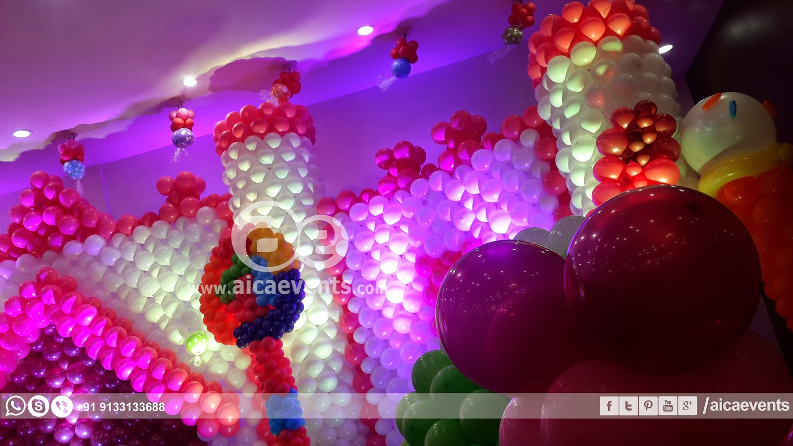 Aicaevents castle with balloon wall decoration for Balloon decoration on wall