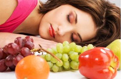 تعرف على المواد الغذائية التي تساعد على النوم العميق و تحارب الأرق