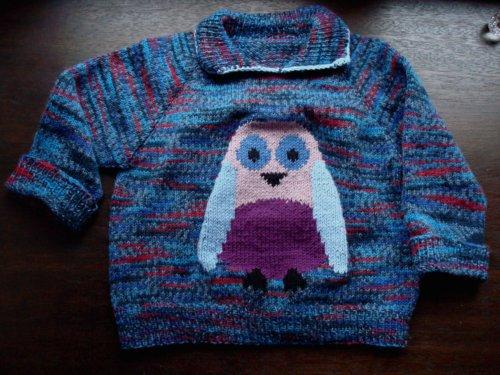 Der pulli ist aus sockenwolle gestrickt und nachher mit merino