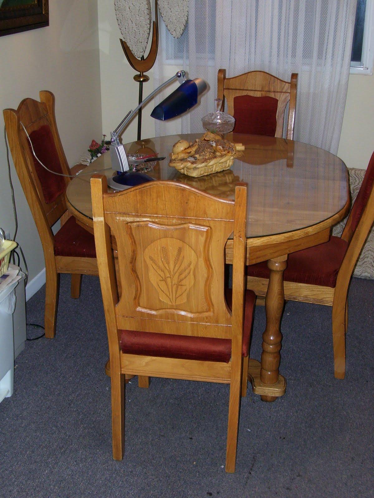 fermeture de maison 418 243 1337 ameublement de cuisine en ch ne table avec verre. Black Bedroom Furniture Sets. Home Design Ideas
