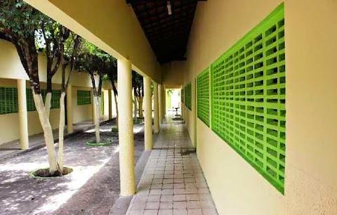 Prefeitura reforma escolas para início do período letivo 2015 em São João do Arraial