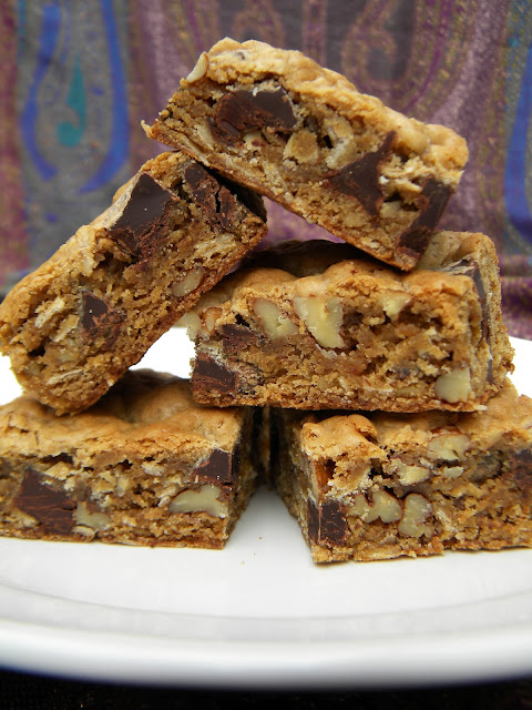 lovin' forkful: Chocolate Chunk, Oatmeal, Pecan Cookie Bars