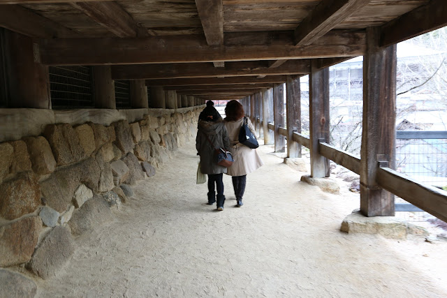 The height of the ceiling at the underneath of Senjokaku Hall is high to enable us to walk comfortably without bending our heads at Miyajima Island in Japan