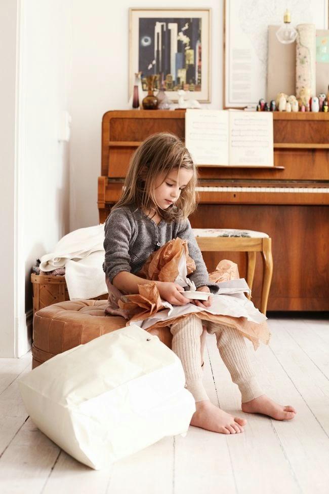 Drewniane pianino na blogu o wnętrzach