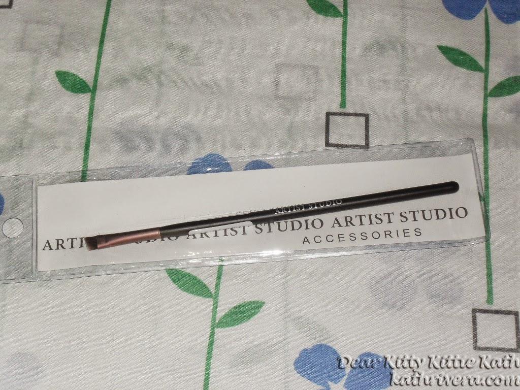 Product Review Artist Studio Angled Eyeliner Brush Dear Kitty