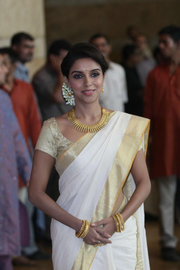 mehandi designs world kerala traditional sarees by asin