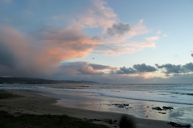 sunrise at apollo bay