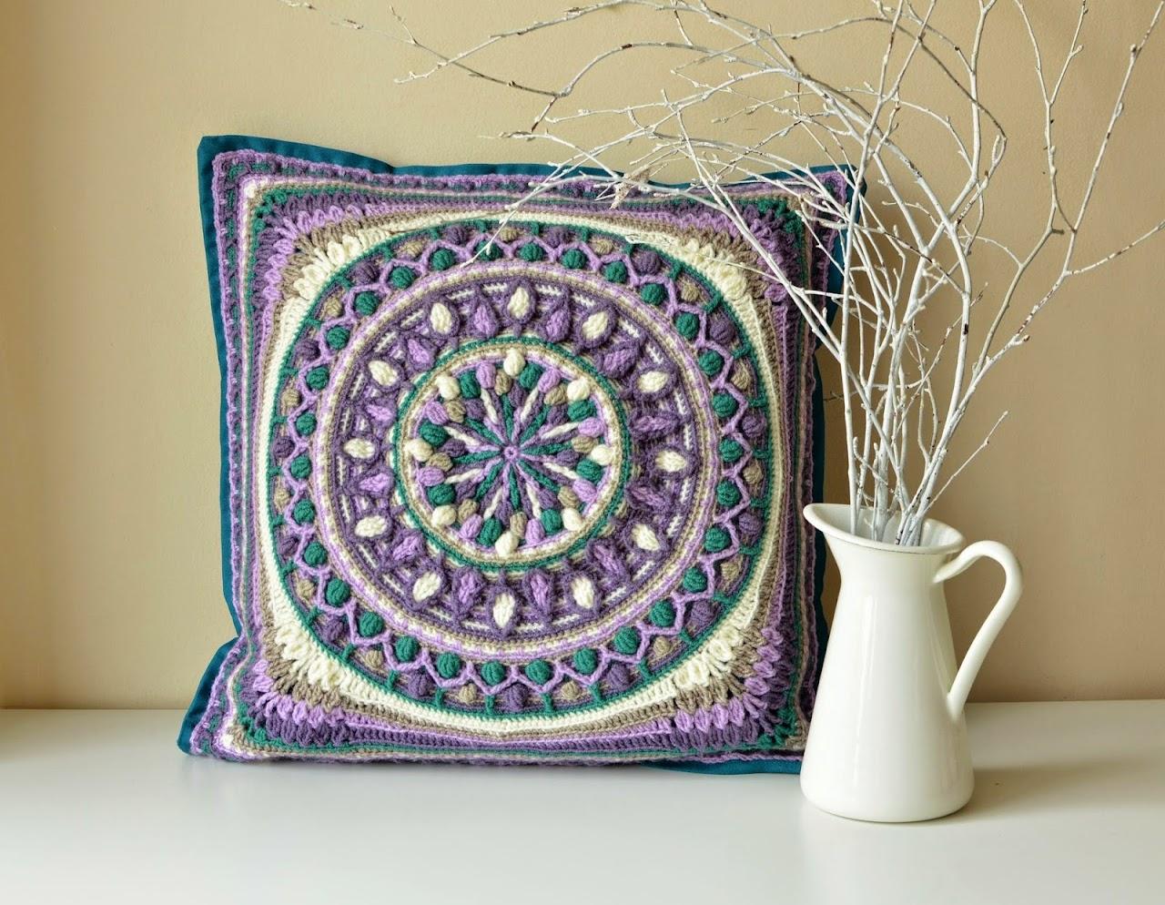 Squaring Large mandala in crochet
