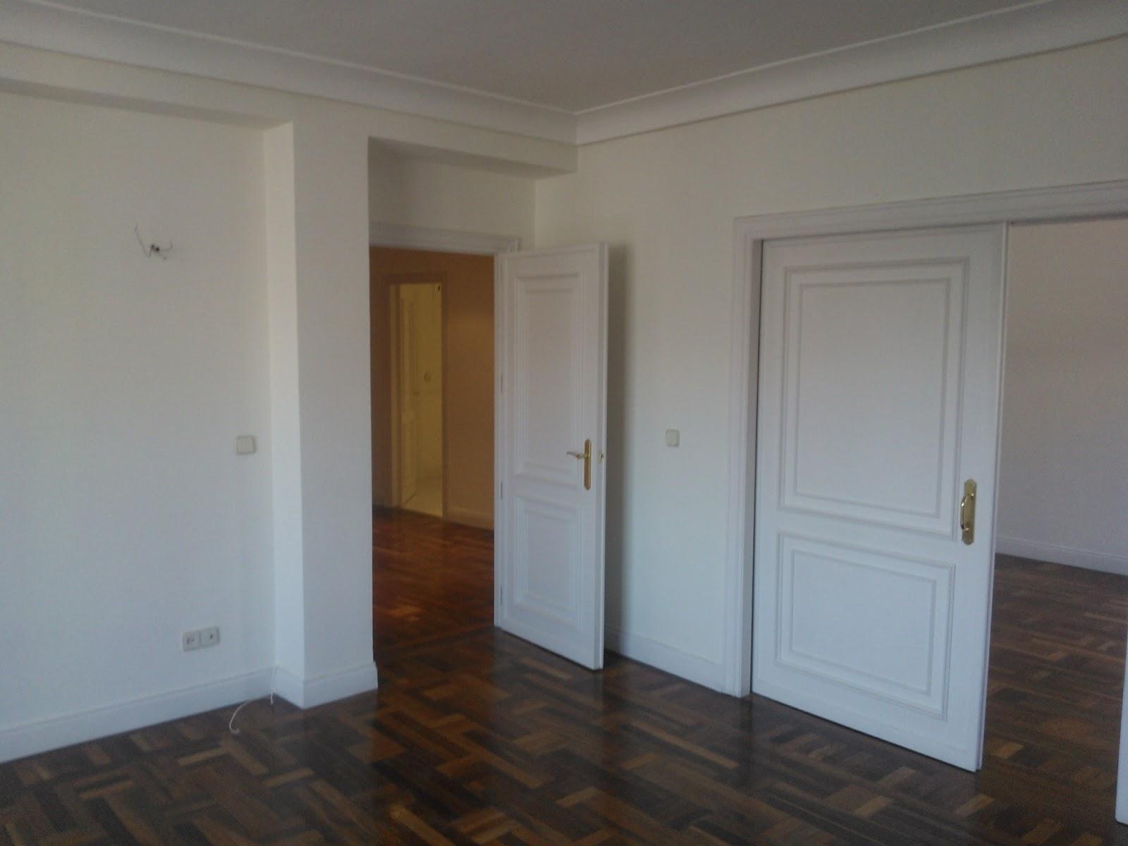 Mondecor s l piso pintado en pintura plastica blanca for Pintura satinada blanca para puertas
