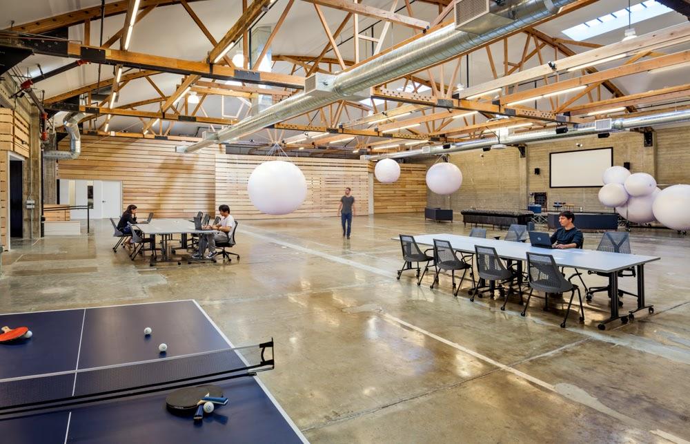 06-desain-ruang-kantor-automattic.com-ruang-kerja-terbuka-bangunan-gudang