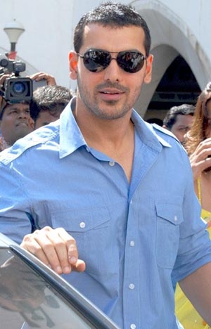 John Abraham REVEALS about the person who can get him back