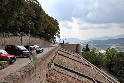 """I """"gemelli diversi"""" delle Marche: cosa vedere a Urbino e Urbania"""