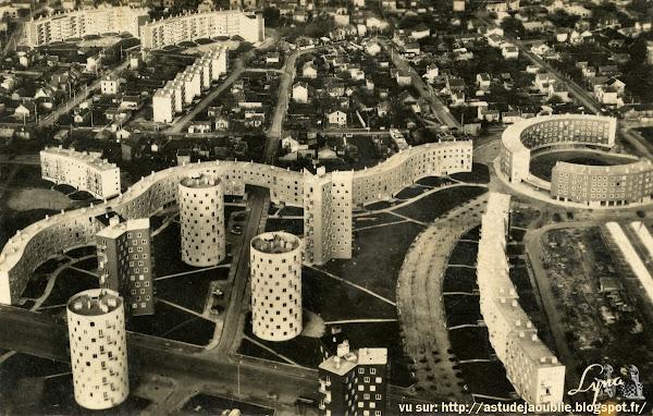 Bobigny - Cité de l'Abreuvoir - Avenue Edouard Vaillant.  Architectes: Emile Aillaud, Jean Vèdres  Polychromie: L. Vèdres, Fabio Rieti  Projet / Construction: 1952 à 1962