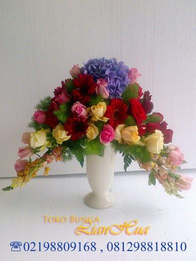 buket bunga meja mawar ucapan selamat