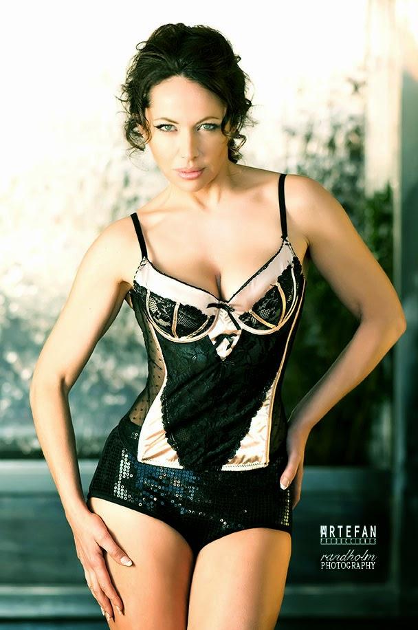 Filtran fotos de Angelina Jolie adolescente en ropa interior
