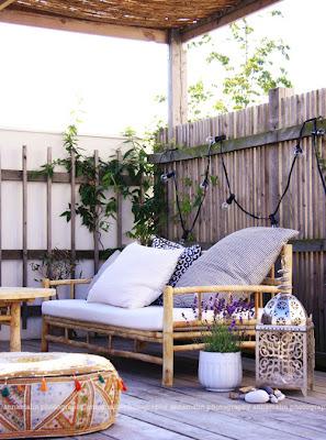 balkon, how to decorate a balcony, jak urządzić, Pomysł na..., siedzisko na balkonie, kwiaty balkonowe, balcony's flowers