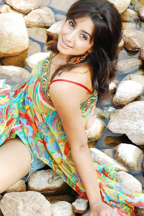 sanjana glamour  images