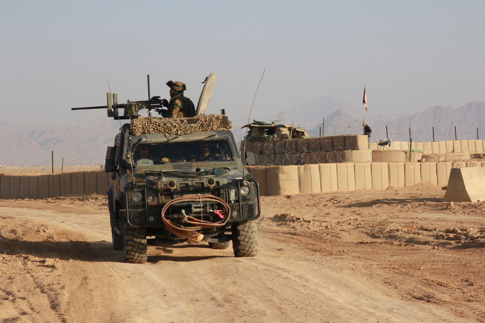 Italian+troops+in+Afghanistan+International+Security+Assistance+Force+%2528ISAF%2529+North+Atlantic+Treaty+Organization+or+NATO+Taliban+War+Terrorism+patrolling+fighting+conflict+soldiers+army++%25283%2529.jpg