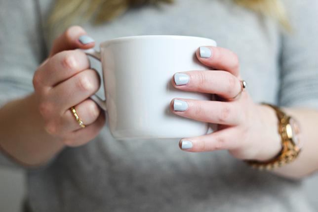 pastel blue nails