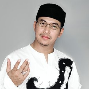 Download Lagu Ustadz Uje (Jefri Al-Buchori) mp3