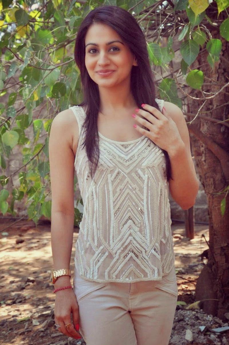 don t miss avantika mishra looks very confident