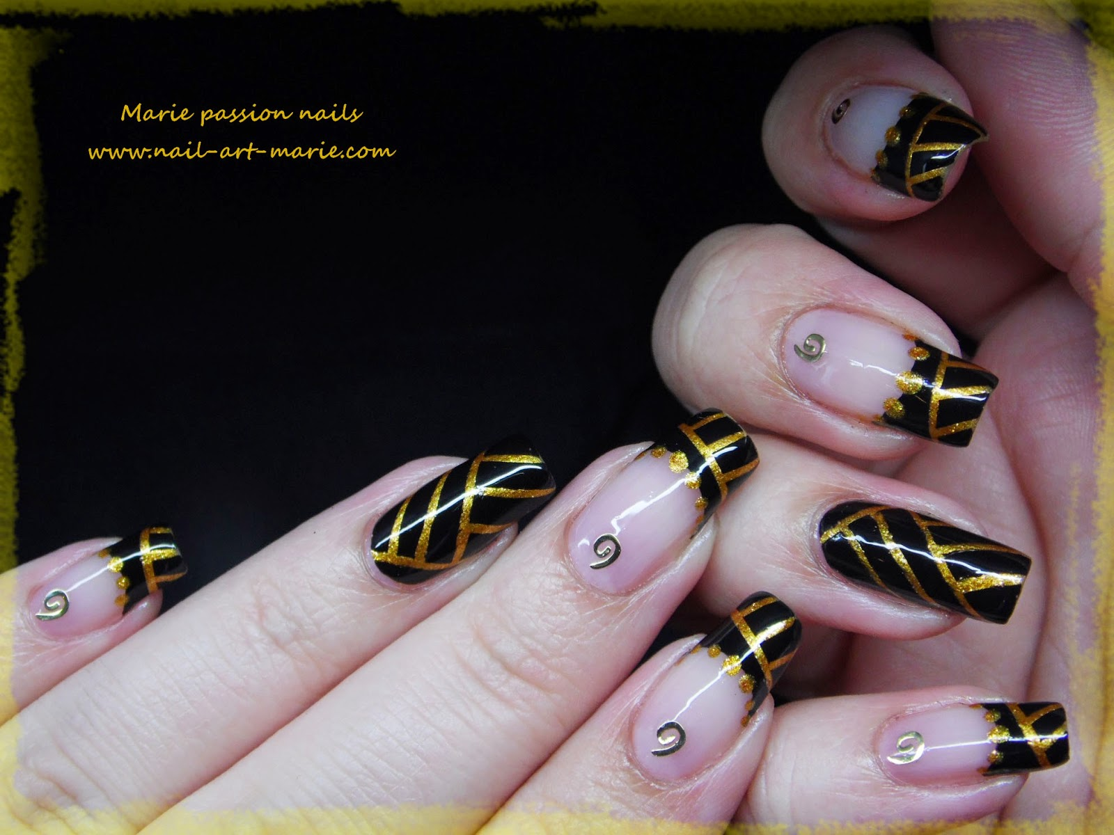 Nail art égyptien3