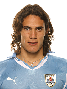 The 30-year old son of father Luis Cavani and mother Berta Gómez, 188 cm tall Edinson Cavani in 2017 photo