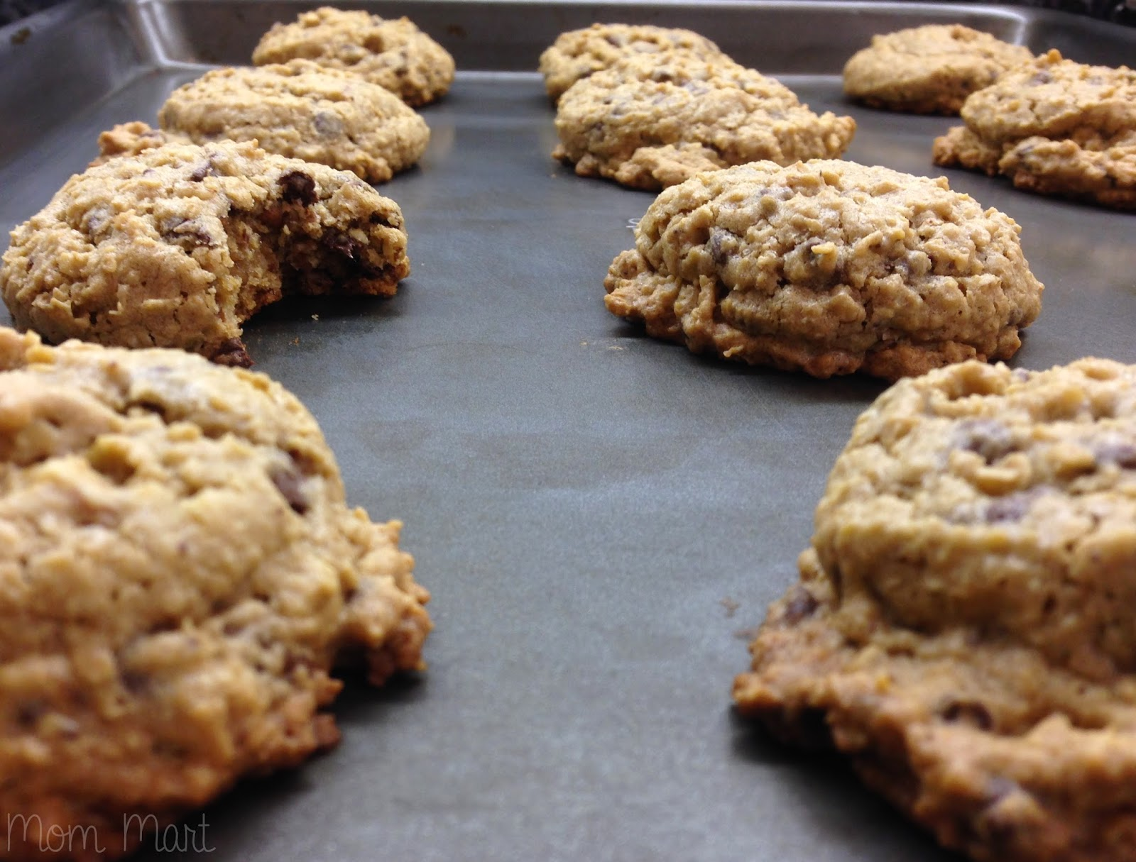 Chewy Chocolate Chunk Oatmeal Cookies #Recipe  #Foodie #YUM #Dessert #Tutorial