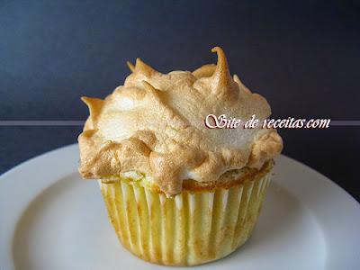Cupcake de laranja com cobertura de limão