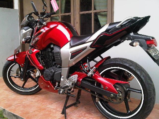 modifikasi motor byson merah terbaru
