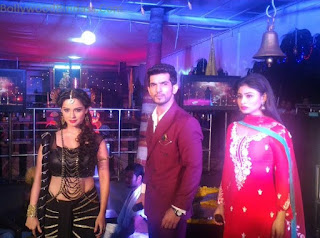 Mouni Roy as Naagin on Colors TV   Hd wallpapers Pictures Must see