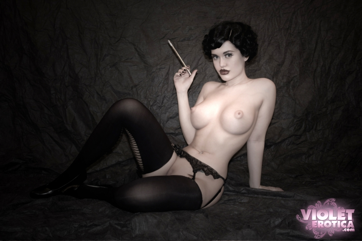 As Viorotica Or Violet Doll Has Emerged From A Couple Of Subcultures To Become A Bona Fide Internet Sex Symbol She Is A Cam Girl For Onhercam Com