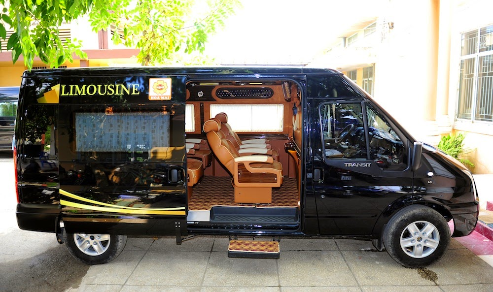 Sao Viet Limousine Bus