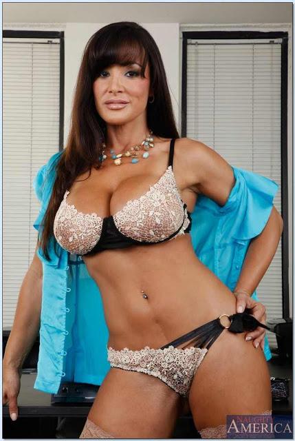 Lisa ann star Nude Photos 44