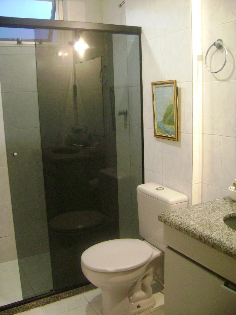 BANHEIRO SOCIAL E BANHEIRO SUÍTE FINO ACABAMENTO  Vendo Apartamento Costa Az -> Armario De Banheiro Com Pia Ferreira Costa