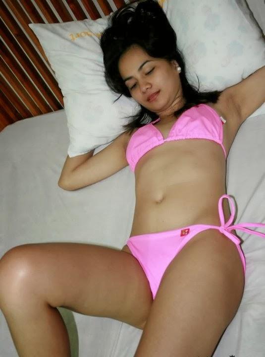 ebony wet pussy nude