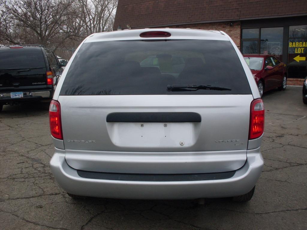 James 2003 Chrysler Voyager