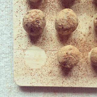 balles protéinées pois chiche cannelle raisins