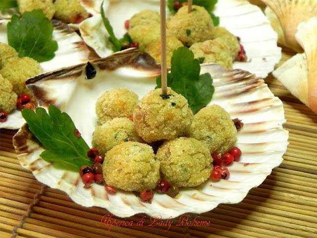 hiperica_lady_boheme_blog_di_cucina_ricette_gustose_facili_veloci_gusci_di_capesante_con_polpettine_di_pesce
