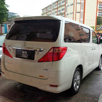 Kuala Lumpur Toyota Alphard MPV Chauffeur Driven - www.bigtreetours.com